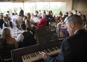 solo-piano-during-dinner-la-venta-inn-palos-verdes-ca