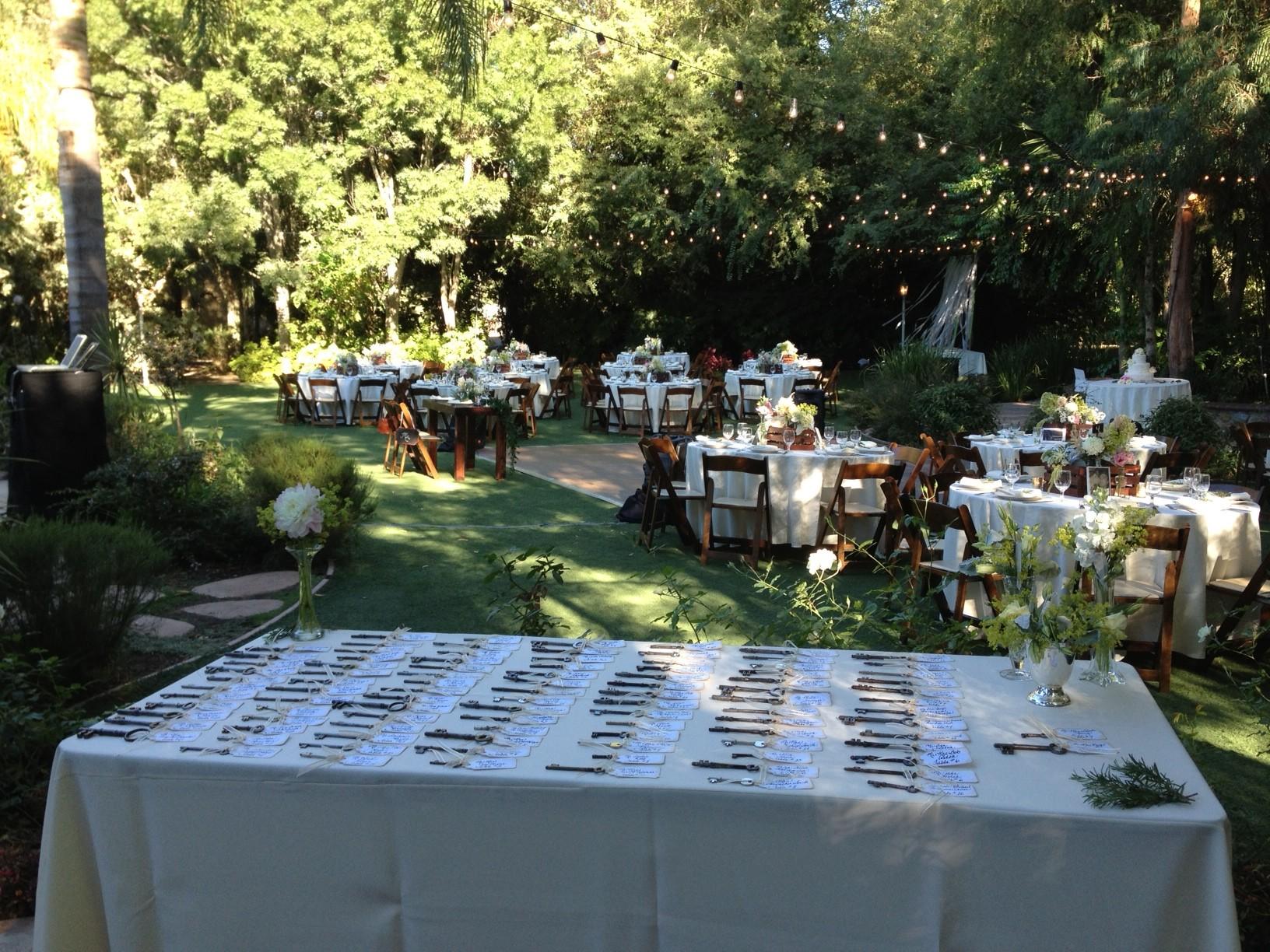 hartley botanica mc at a wedding dj los angeles elegant