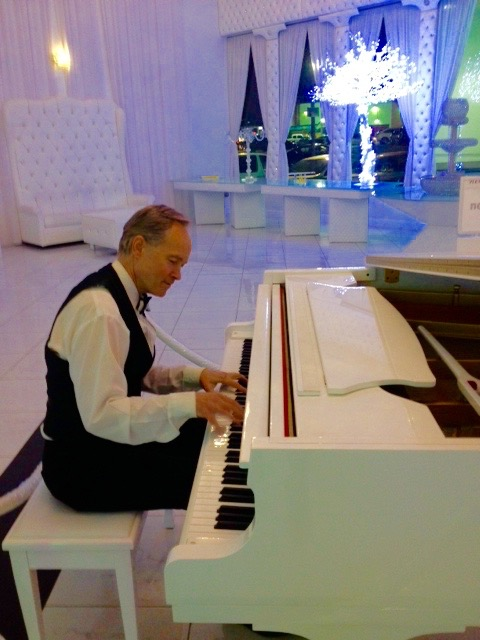 DJ/MC, Pianist and Bandleader Eric Zimmermann